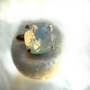 Bague jonc or white opal